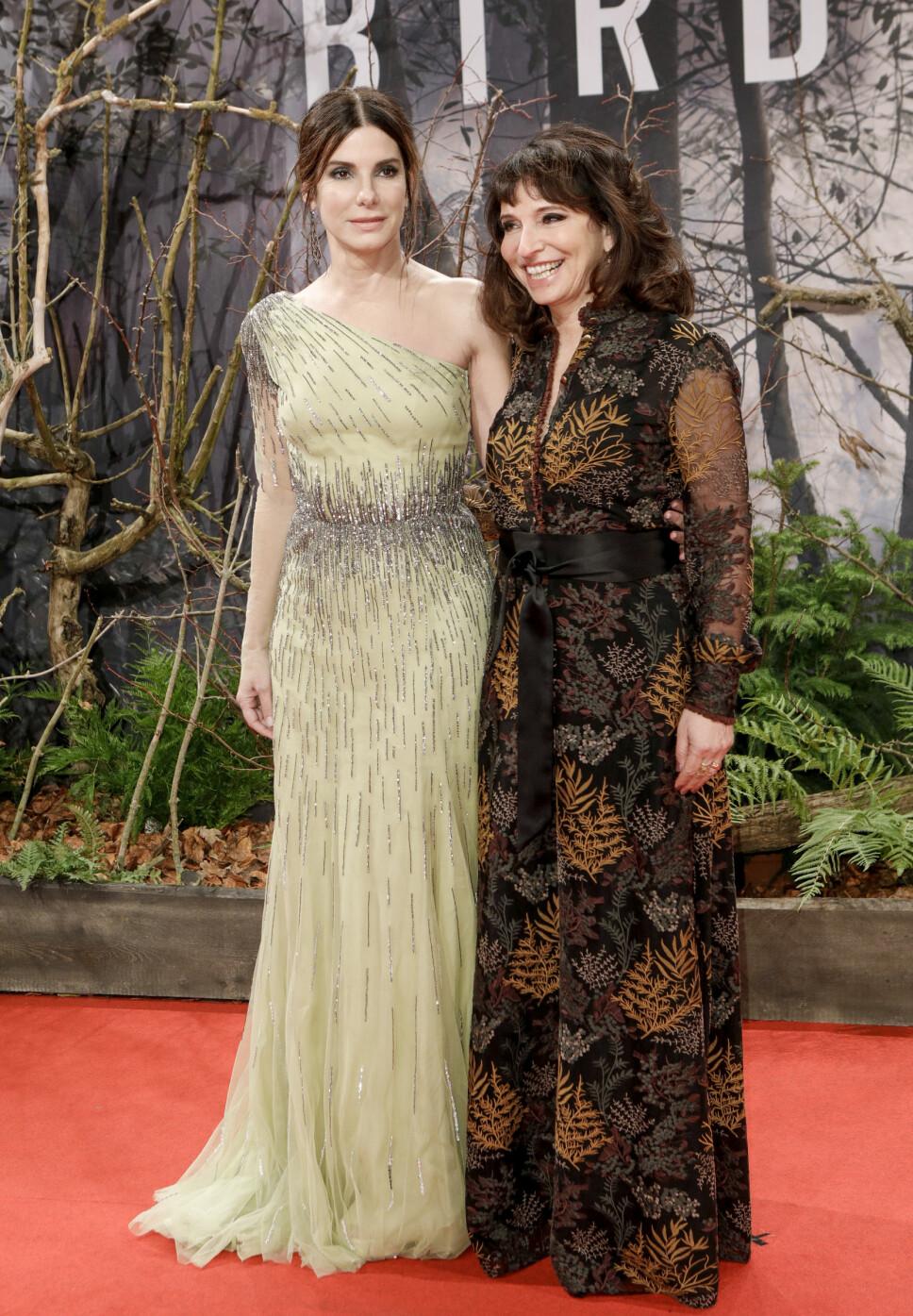 SA FØRST NEI: Både Sandra Bullock og den danske regissøren Susanne Bier sa først nei til å gjøre «Bird Box» da de leste manuset for syv år siden.