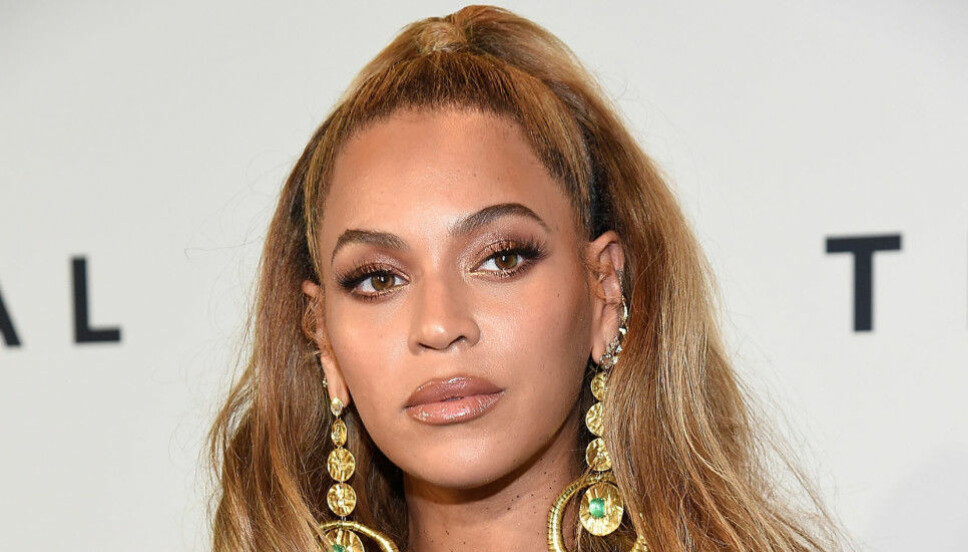MYSTERIUM: Beyoncé bruker isklumper til å varme opp vokalen. Hvorfor isklumpene skal være håndrullet er det ingen som vet.
