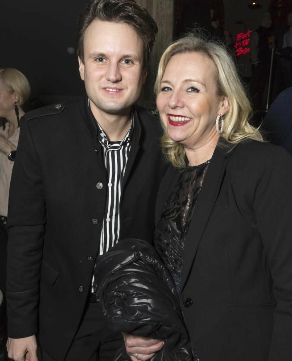 FEIRET MED VENNER: Kevin planla å feire med flere av sine gode kollegaer. Her er han med Linn Skåber.