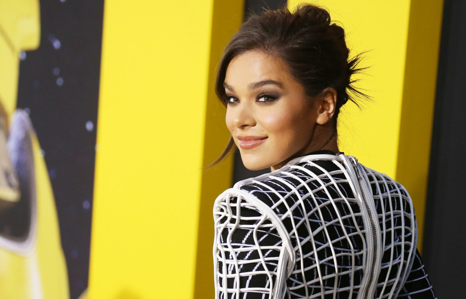 PREMIERE: Hailee Steinfeld ankommer premieren til Bumblebee på TCL Chinese Theatre i Hollywood.