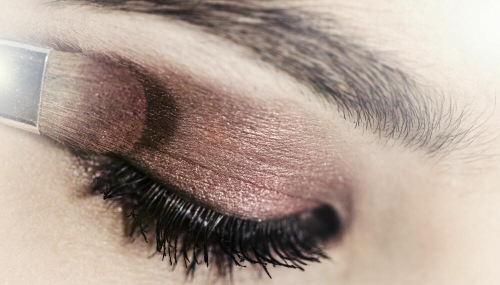 STEG FOR STEG: Makeup artist Stefanie Schollbach gir deg sine beste tips til den perfekte øyenskyggelooken i