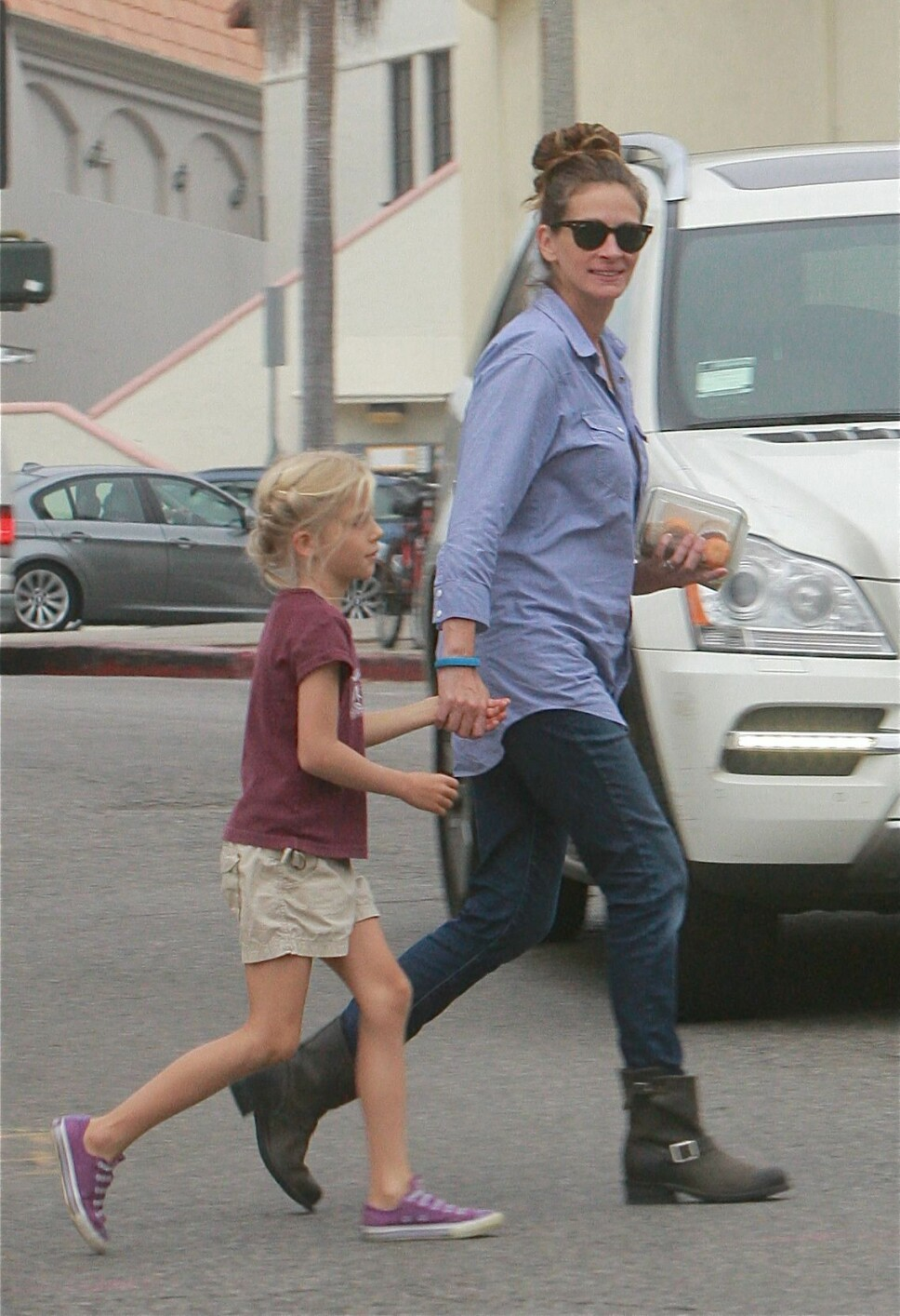 MED DATTEREN: Julia Roberts sammen med datteren Hazel.
