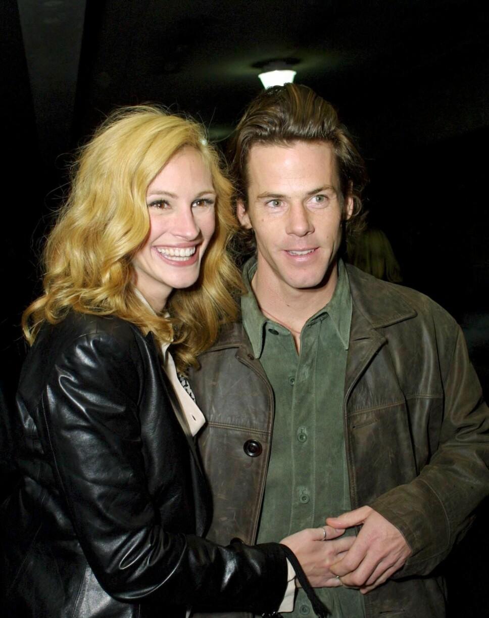 FORELSKET: Julia og Danny Moder traff hverandre i 2000, og giftet seg i 2002. Paret er fortsatt lykkelig forelsket.