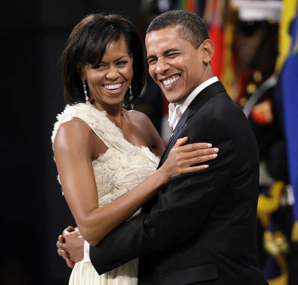 EVIG KJÆRLIGHET: Paret har aldri lagt skjul på sine følelser for hverandre. Her fra ballet samme kveld som Barack Obama offisielt ble president i USA, 20. januar 2009.