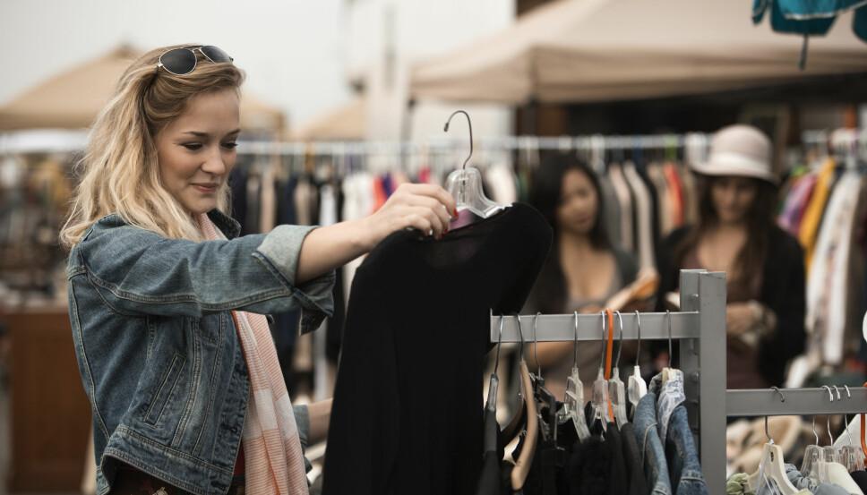 KJØP BRUKT: Ved å kjøpe secondhand, sparer du både miljøet og lommeboka.