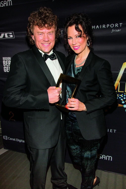 GULLGUTT: Han har samlet en fin fangst med Gullruten-priser gjennom årene. Kanskje Lars Monsen kan løfte et nytt trofé i år? Her fra 2014 med kona Trine Rein.