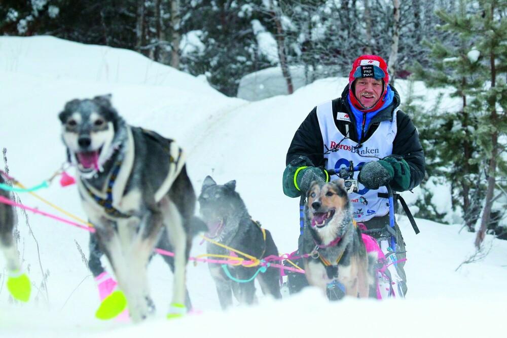 ACTION: Forrige gang Monsen vant pris under «Gullruten», var i 2014 for dokumentar-serien «Monsen og hundene». Her er tøffingen og hans firbente venner i full fart under Femundløpet.