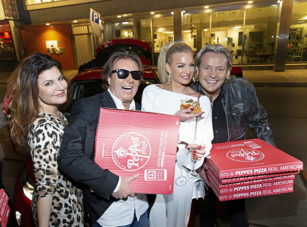 BRØT REGLENE: Deltagerne var i hardt vær da de brøt reglene og bestilte pizza til gården. På finalefesten gjorde de det samme.