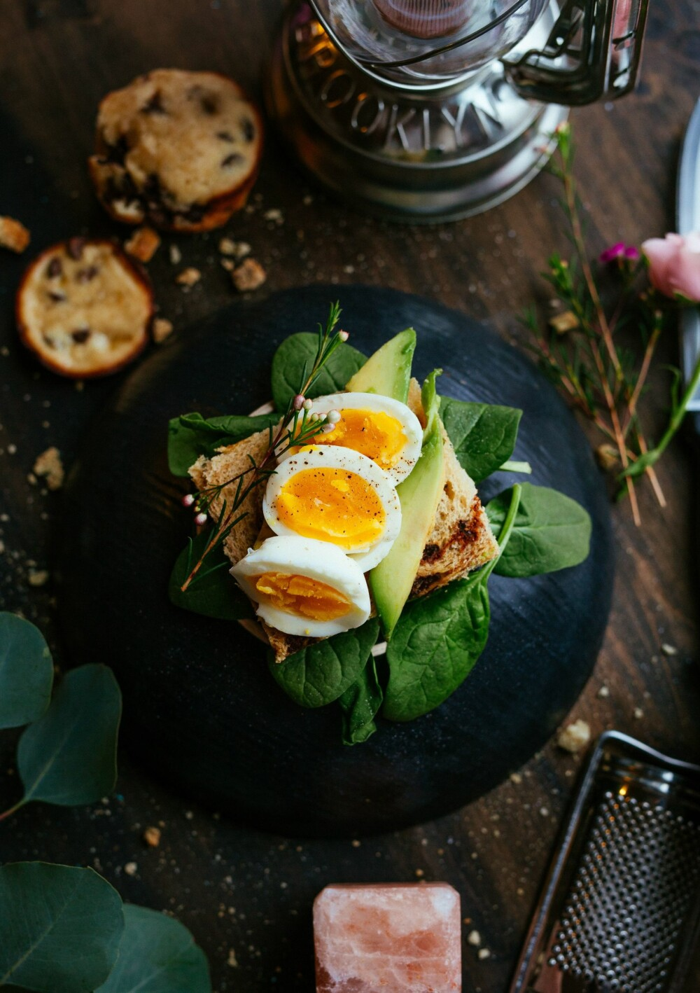 Rundstykke med kokt egg er en sikker vinner til frokost.