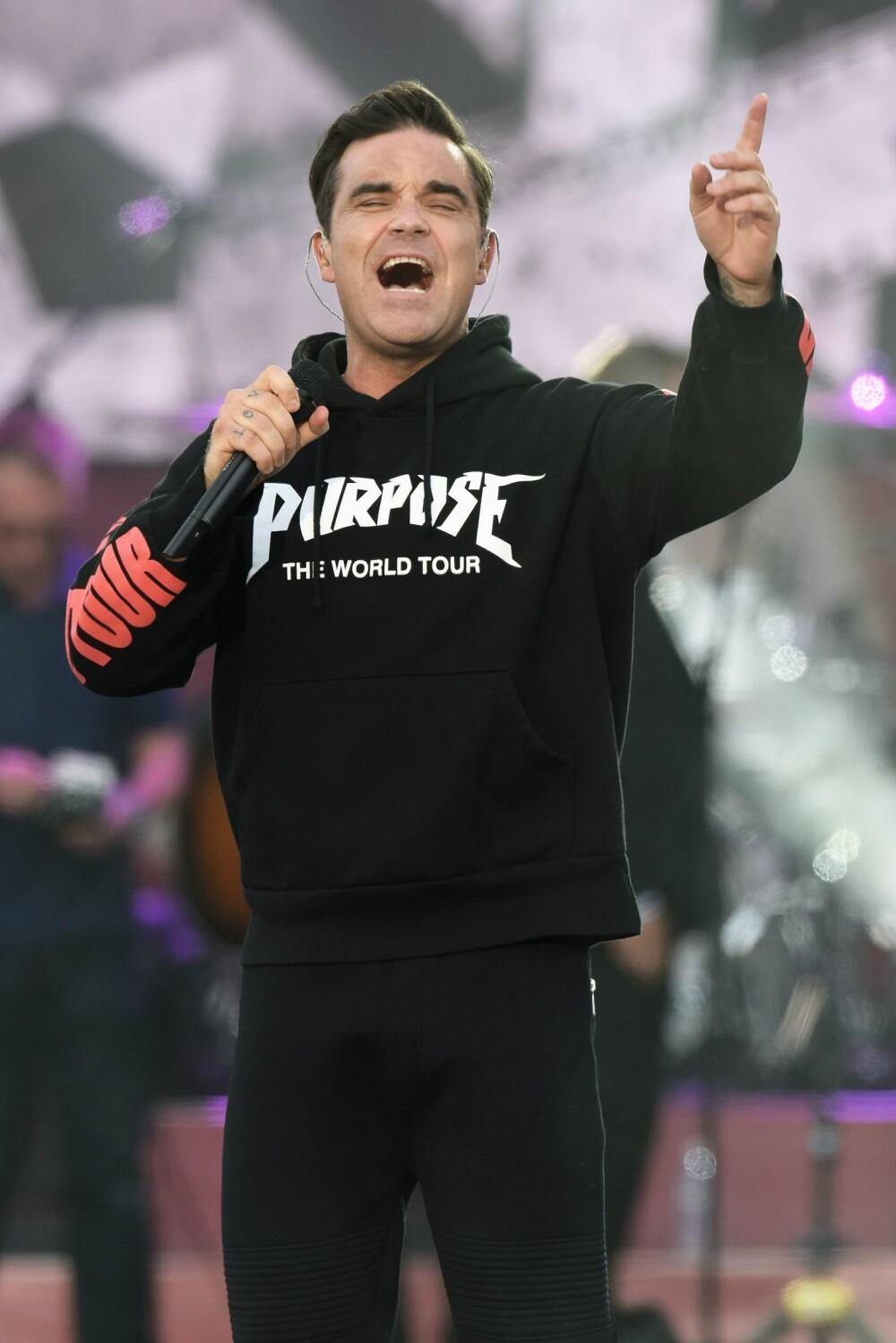 <b>RØRENDE:</b> Robbie var en av mange artister som stilte opp da det ble arrangert en minnekonsert for dem som ble rammet av terroren i Manchester i 2017.