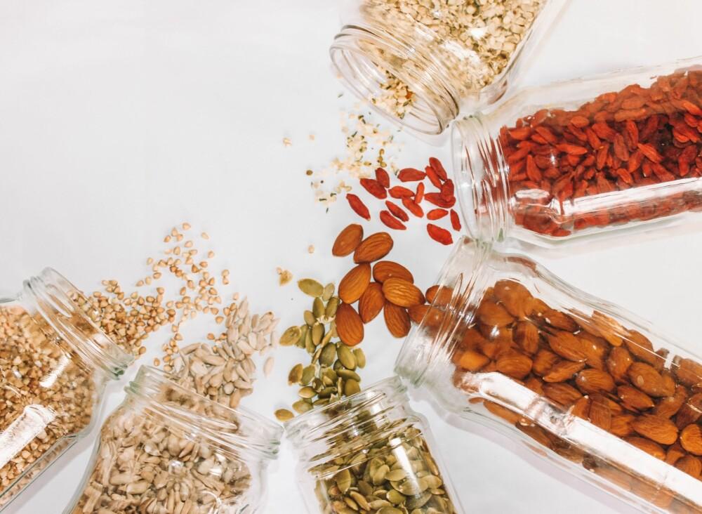 Tilsett nøtter eller mandler i havregrøten eller frokosten og øk fettinnholdet.