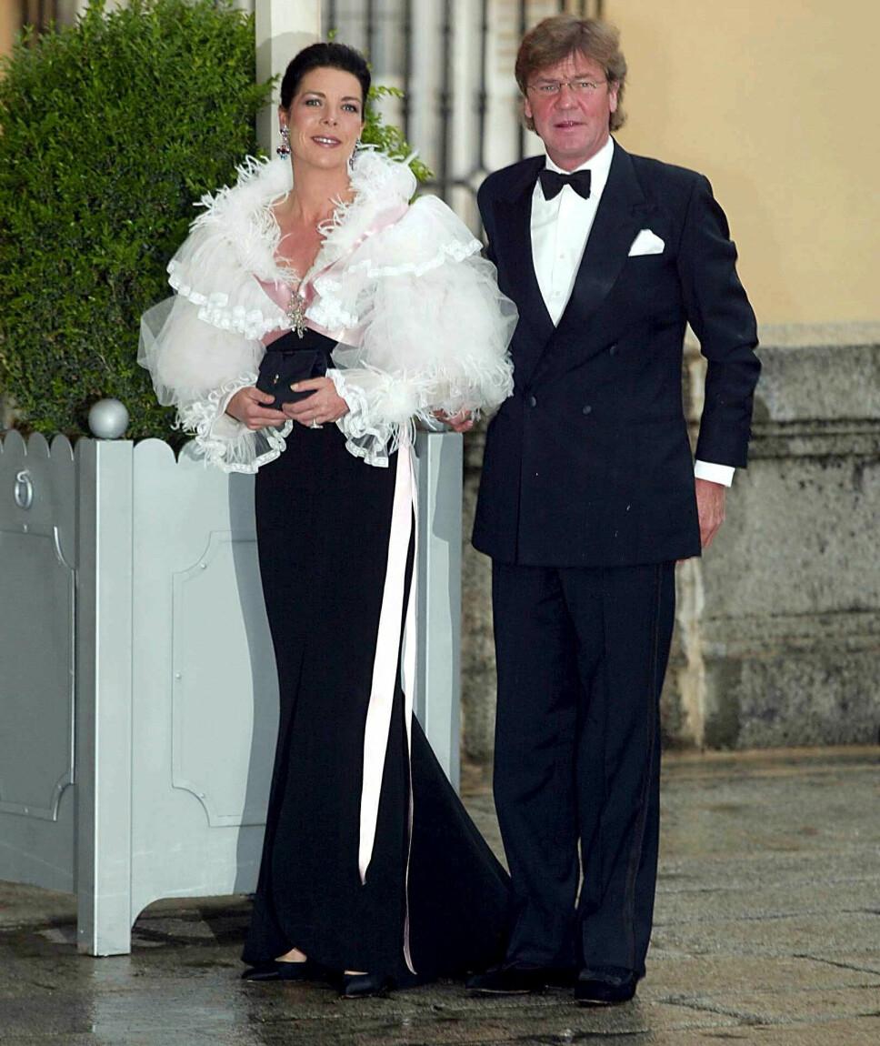 LYKKELIGE? Prinsesse Carloline giftet seg med den tyske prinsen, Ernst August i 1999, men hvordan forholdet er i dag er uvisst. De bor i hvert sitt land, og har ikke vist seg offentlig sammen på mange år.