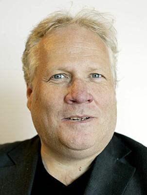 KONGEHUSEKSPERT: Her og Nås Roger Øversveen.