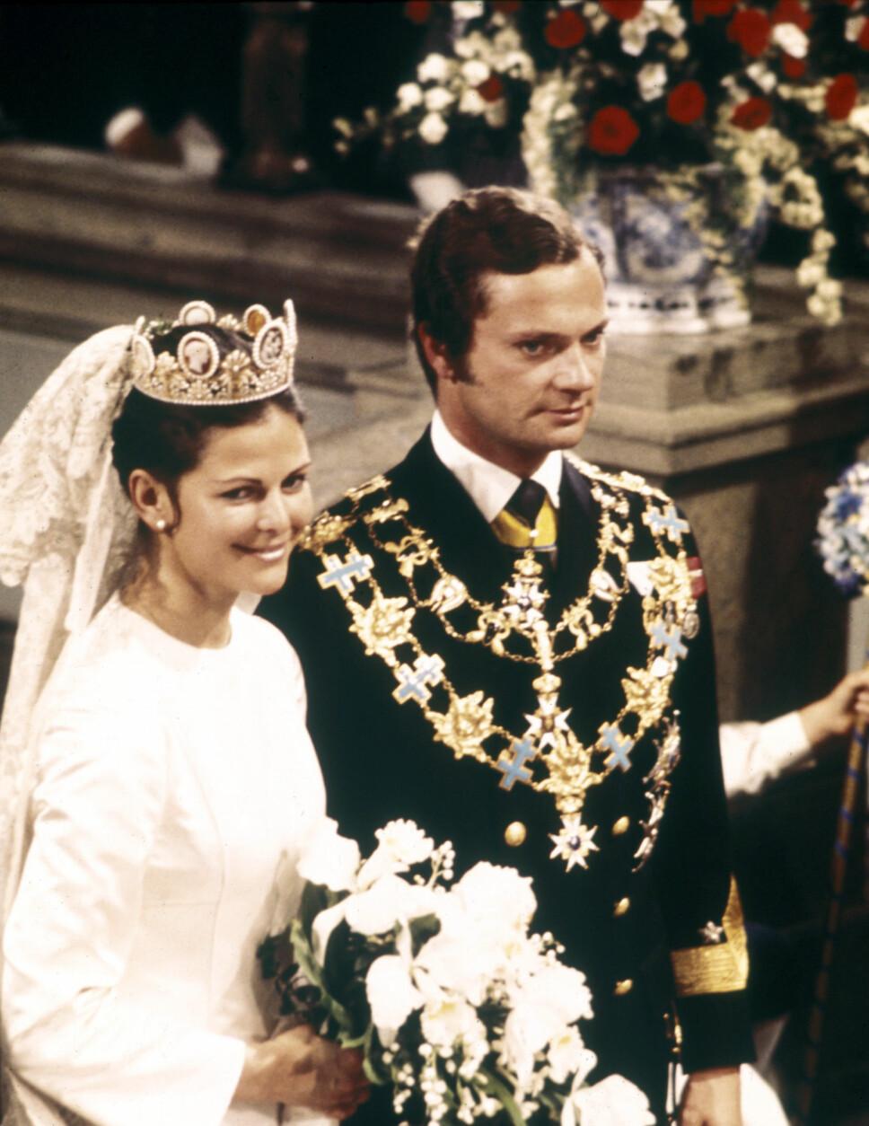 SAMME TIARA: Dronning Silvia bar den samme tiaraen som sin dattere da hun giftet seg med kong Carl Gustaf i 1976.