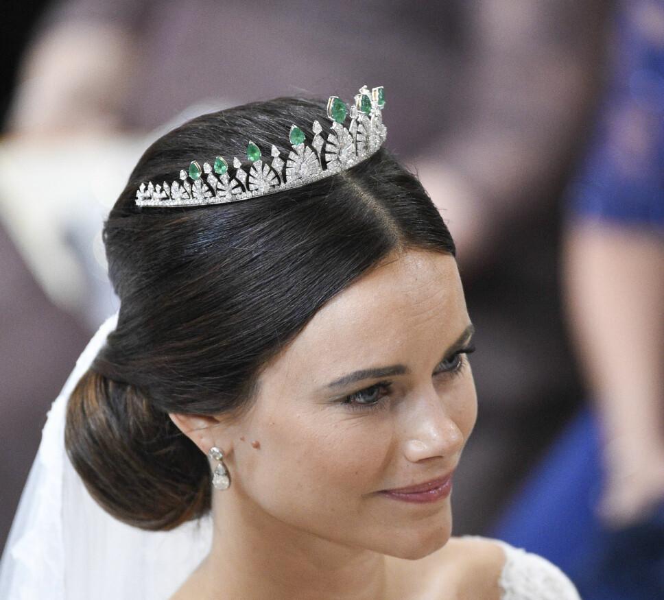 GAVE FRA DET THAILANDSKE KONGEPARET: Sofia med tiaraen som opprinnelig var en gave i form av et halskjede fra det thailandske kongeparet, og som senere ble omskapt til en tiara.