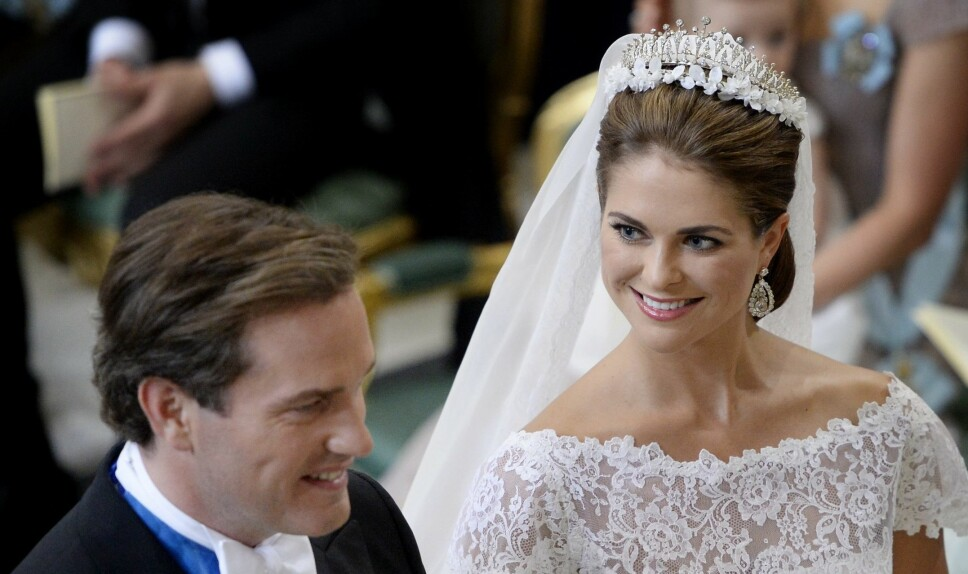 NYDELIG: Prinsesse Madeleine bærer sin private tiara under bryllupsdagen 8. juni 2013.