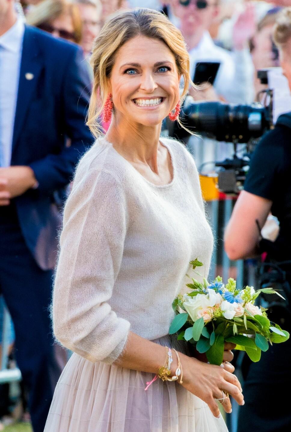 KORTVARIG LYKKE: Prinsesse Madeleine strålte da hun kom hjem til Sverige i juni. Da ante hun lite om hva sommeren skulle bringe.