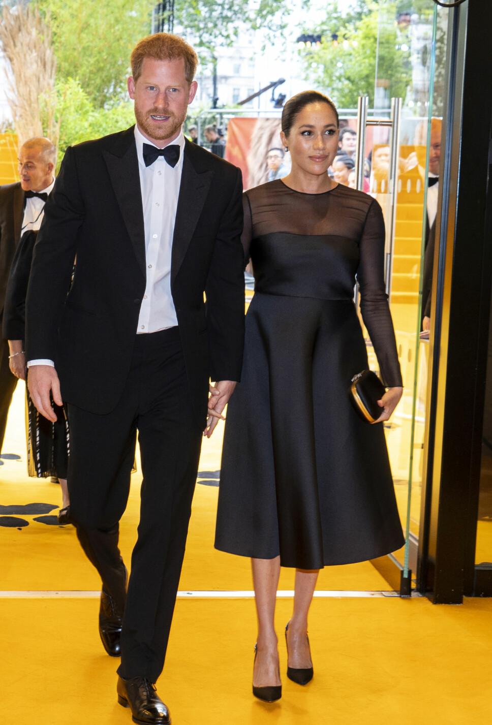 LYKKELIGE: Prins Harry og hertuginne Meghan er fast bestemt på at ingen hatmeldinger eller ondsinnede medieoppslag skal få ødelegge deres kjærlighet.