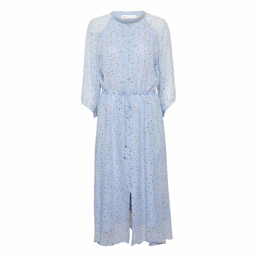 FIN PRIS: Denne supersøte kjolen fra InWear passer til de fleste festlige anledninger, kr 1399 hos Miinto.