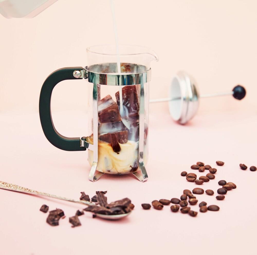 KAFFETØRST? Lag deg fin egen iskaffe med denne supre oppskriften.