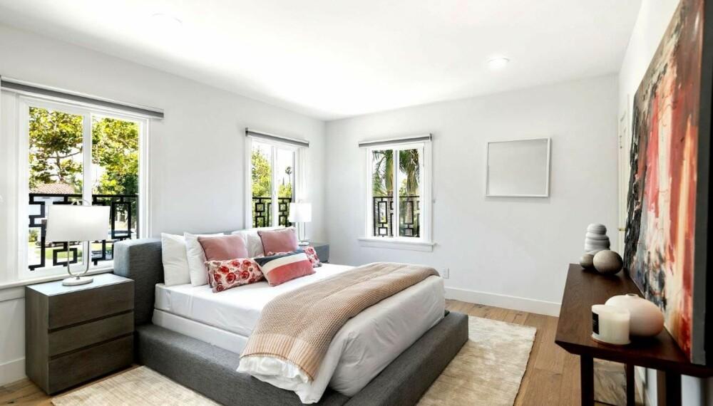 TRIVELIG SOVEROM: Huset har hele fire soverom, og med dét god plass til gjester.