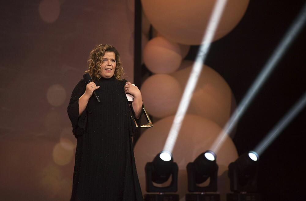 VANT: Her er Else på scenen etter at hun vant prisen for beste nyhets-, sports- eller aktualitetsprogram for TVNorge-serien «Else om: selvmord» under Gullruten.