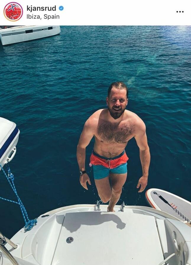 BADEENGEL: Bildene Kjetil har lagt ut på Instagram viser at det ble mye båtliv og bading på den barske alpinisten og hans følge.