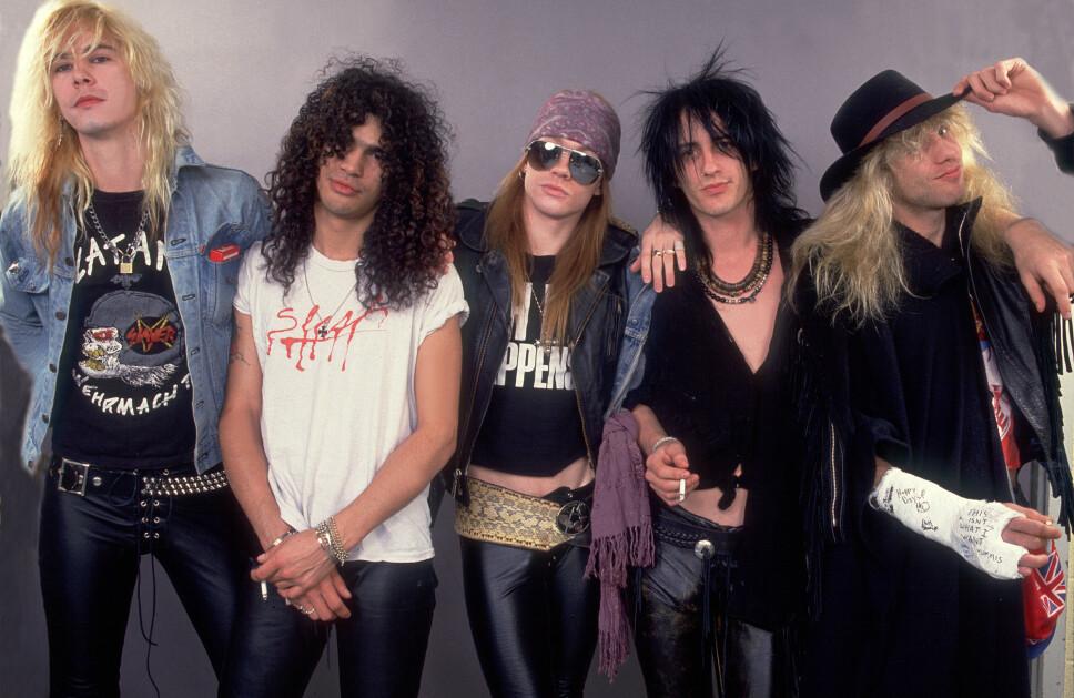 MYE HÅR: Guns N' Roses representerte hårmoten på 80-tallet på eksemplarisk vis. Her er gutta avbildet i 1987. Fra venstre, Duff McKagan, Slash, Axl Rose, Izzy Stradlin og Steven Adler.