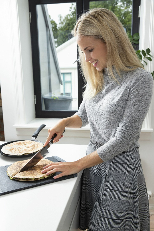 VEGETARISK HOVEDRETT: Emilie er ikke vegetarianer, men mener at vi godt kan øve på å spise mindre kjøtt. – Det er både bra for miljøet og kroppen!