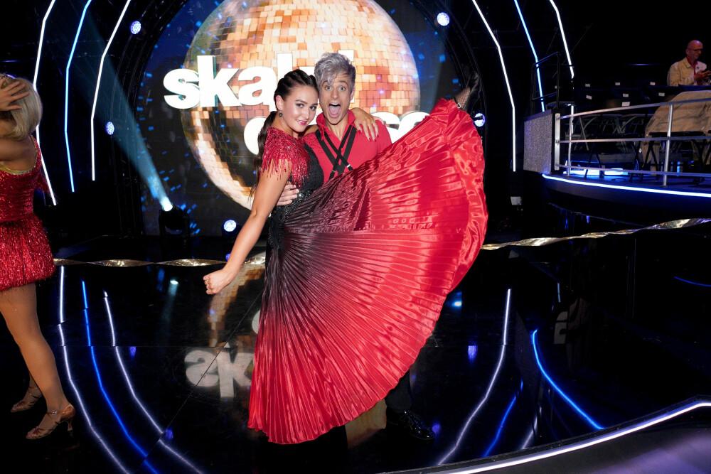 PERFECT MATCH: – Rikke og jeg passer som hånd i hanske, sier Victor om dansepartneren Rikke Lund. Nå drømmer han om å nå til topps i realityprogrammet.