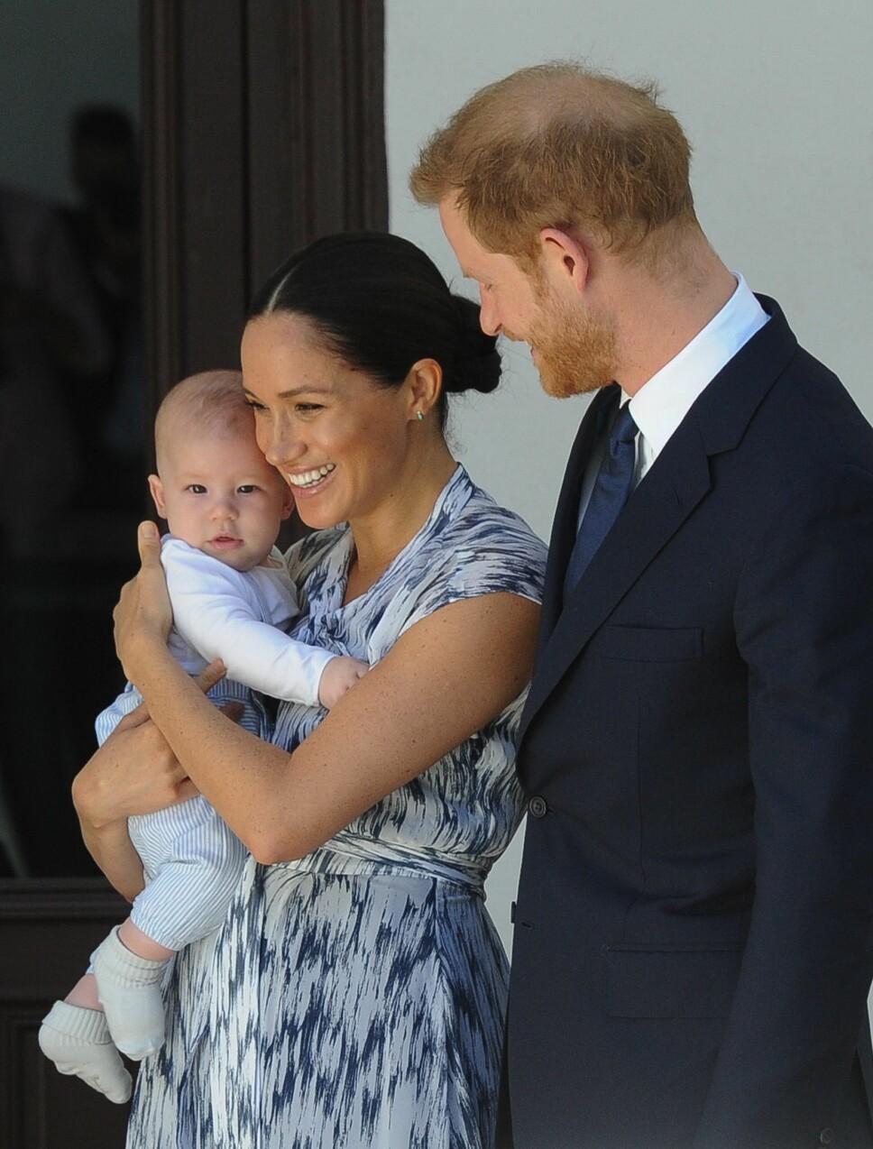 FRYKTER FOR MEGHANS LIV: Prins Harry frykter at Meghan vil lide samme skjebne som hans mor gjorde for 22 år siden. Nå gjør han alt i sin makt for å beskytte sin lille familie.