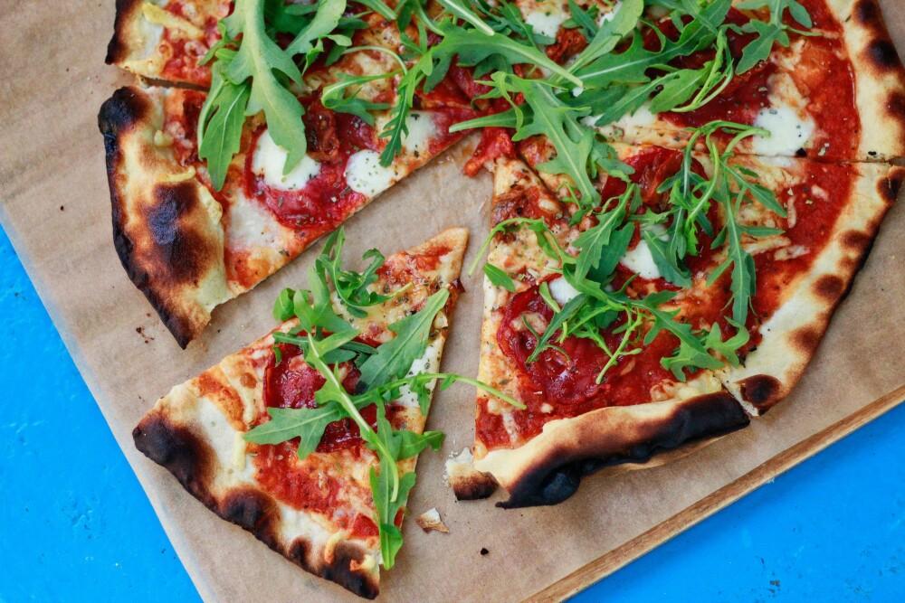 Vibeke Klemetsen tar mer enn gjerne pizza til middag.