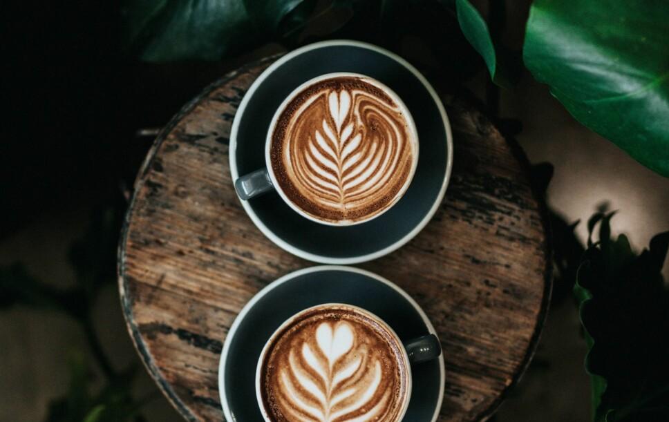 Vibeke Klemetsen starter dagen med en kopp kaffe med soyamelk.