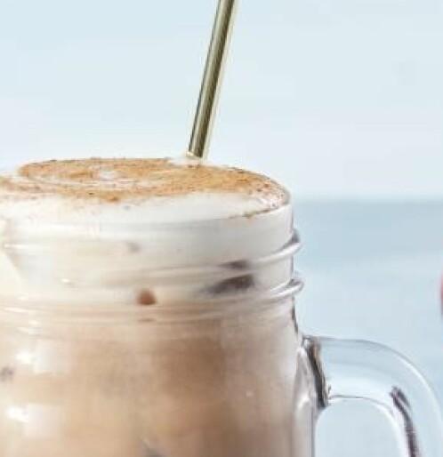 Lag din egen iskaffe-shake med smak av sjokolade